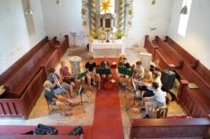 Proben für den Abendgottesdienst in Grüntal
